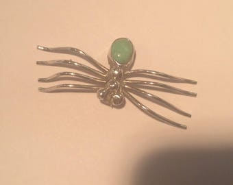 Vintage sterling silver and jade spider good luck brooch #586 S