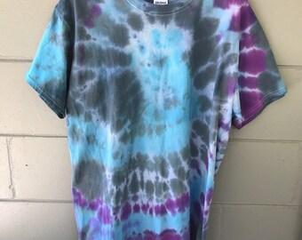 Tye dye shirt sz L