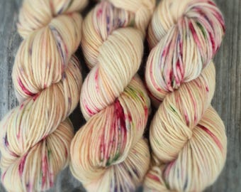 Champagne  Single Ply worsted yarn 100 % Merino superwash