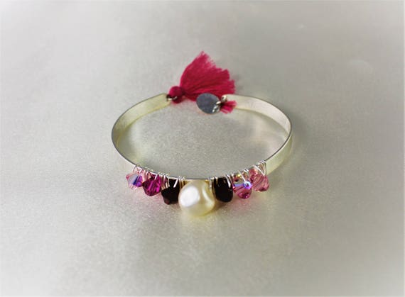 Bangle wedding bracelet Pearl swarovski imitating culture fuschia and white beads with charms and tassel