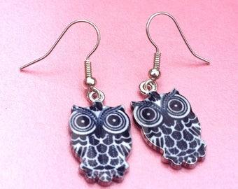 Black and white owl earrings, bird jewellery, owl gift, dangle earrings, drop earrings