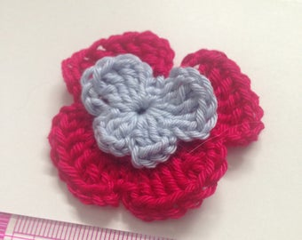 Set of 4 flowers pansies double crochet tone fuchsia and blue heart