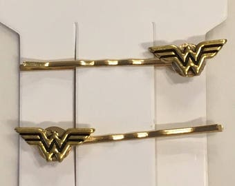 Adults/Girls hair Pin, Hair Accessory - Wonder Woman, Photo Props