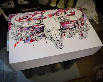 Box - Bull Skull, Color