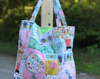 Xl quilted tote w/ zipper and pocket