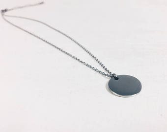 Circle Necklace Silver Colour   Delicate Necklace with Round Disc Pendant Geometric Minimalist Design Stainless Steel Jewellery