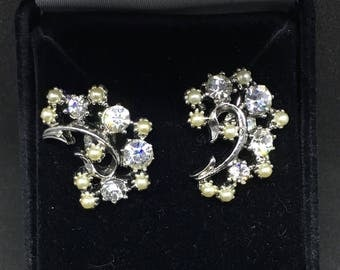 Vintage 1940/50 Silver-tone, rhinestone and faux pearl cluster earrings - converted from screw-back to pierced