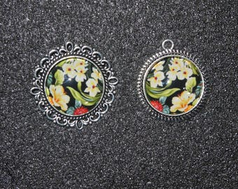 Cabochon yellow flowers on black pendant and ring set