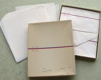 Vintage Hallmark Airmail Stationery Set Envelopes Onionskin Paper in Box Par Avion