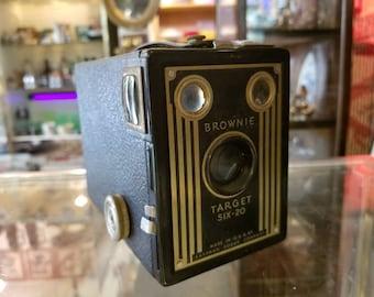 Vintage Eastman Kodak Brownie Target Six-20 Camera
