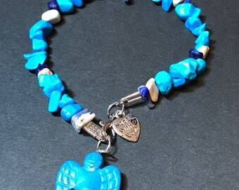 Handcrafted turquoise howlite & lapsis lazuli chip bracelet