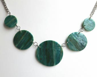 Necklace style green, designer jewelery