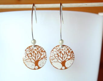 enamelled sequin pattern Brown and ivory tree earring