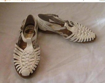 Mid-Summer Sale 20%OFF Pair of White Leather Huaraches, US Size 5 1/2