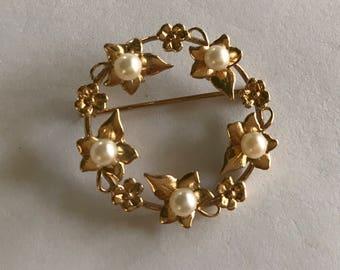 Gold and Pearls Circle Pin