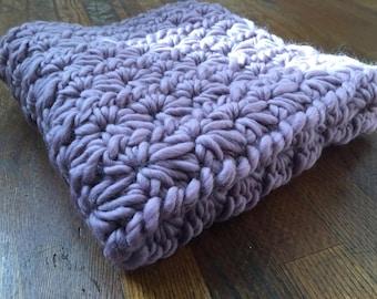 SALE 20% OFF: Chunky Crochet Baby Blanket // Purple Grey Gray // Crib / Stroller / Carseat / Baby Shower Gift / Nursery / Photo Prop