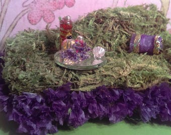 "The ""Purple and Perfume"" Miniature Faerie,Fairy Chaise Lounge/ Throne/ Chair"