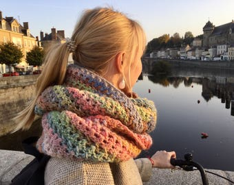 Chunky infinity scarf.Chunky crochet snood. chunky infinity multicolor scarf.Crochet infinity scarf. Big crochet scarf.Crochet cowl chunky.