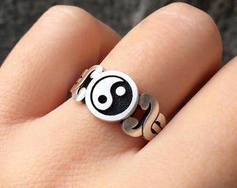 Ying Yang with Caduceus Ring in Sterling Silver Metal, Silver Caduceus Ring, Silver Ying Yang Ring, Signet Ring, Engraved Ying Yang Ring
