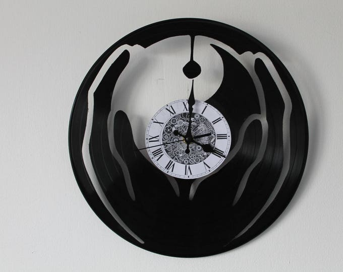 Vinyl 33 clock towers theme Ying/Yang