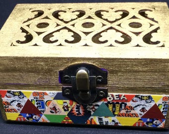 Fretwork topped trinket box featuring images from The Beano Comic