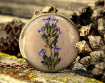 Floral resin necklace lavender flower pendant, Terrarium jewelry, Gardening gift, Nature plant terrarium, Real pressed forest flower pendant