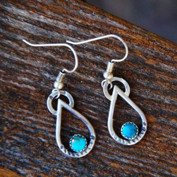 Turquoise Raindrop Earrings / Turquoise Earrings / Raindrop Earrings / Boho Earrings / Southwestern Earrings / Mohave Turquoise