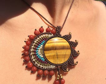 Sun macrame necklace with a stunning Tiger eye.