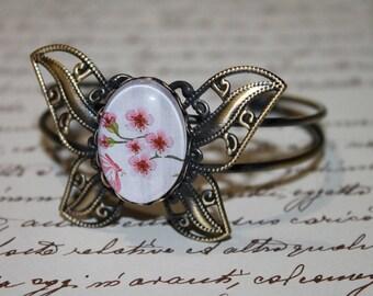 """Cuff Bracelet Butterfly brass glass cabochon """"the Japan cherry"""""""