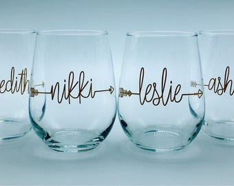 """Personalized stemless """"bride tribe""""wine glasses in sets of 5, 6, 7 or 8 font style 10"""