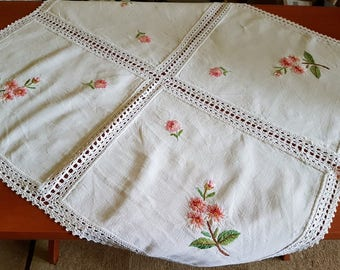 Vintage square linen embroidered and crocheted tablecloth / serviette / table-napkin / doily, home decoration, handmade
