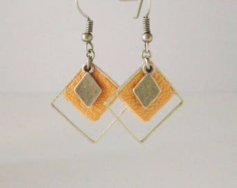 Triple leather gemetriques earrings mustard yellow diamond