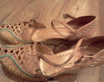 brown leather wedge sandals  woven   Brazil   ankle straps  embroidered  brown/turquois/yellow/beige  embroidery detail  size 9