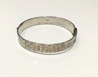 Vintage Sterling Silver Bangle  (191)