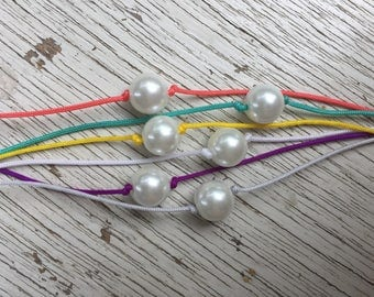 Colorful pearl choker
