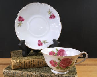 Gorgeous Vintage Cup and Saucer Set / Royal Sealy China made in Japan
