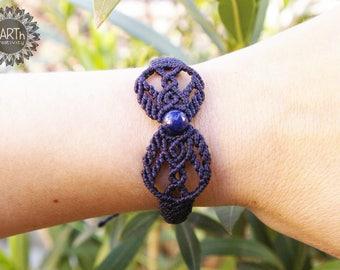 Macramé bracelet with lapis lazuli-macramé bracelet with Lazuli