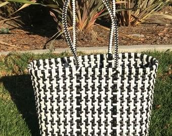 handwoven plastic handbag,Oaxacan bag,handmade plastic bag,pom pom,recycled handbag,summer bag,mexican tote,beach bag,grocery bag,handmade