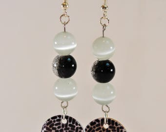 Black and white sequin and beads earrings