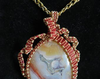 250 Red and gold square and ribbon weaved crazy lace agate