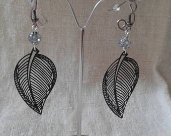 Pearl and black leaf earrings