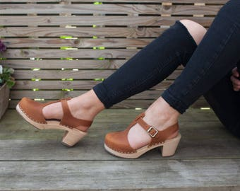 Swedish Clogs Highwood T-Bar Brown Oiled Leather by Lotta from Stockholm / Wooden Clogs / Sandals / High Heel / Mary Jane Shoes