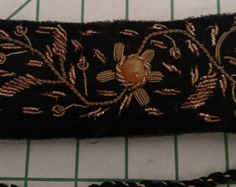 "Vintage embroidered ""Dynasty"" belt, soft velvet and rope, 1980's, black with gold embroidery"