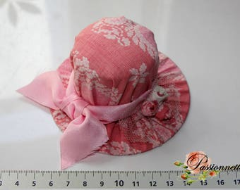 Spike needles/pins shaped Hat fabric rose