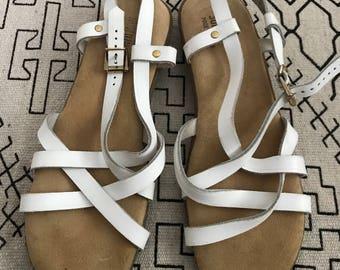 Bass Sunjun sandals size 9 never been worn