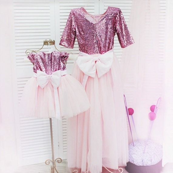 rose robe tutu assortie m re fille robes de paillettes pour. Black Bedroom Furniture Sets. Home Design Ideas