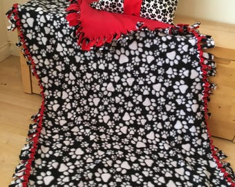 Puppy Paw Fleece Blanket/Dog Fleece Blanket