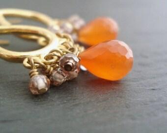 Orange Carnelian Chandelier Earrings in Vermeil, Gemstone Dangle Earrings, Gemstone Cluster Earrings, Boucles D'oreilles Chandelier Orange