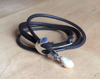 Leather strap anchor/shell