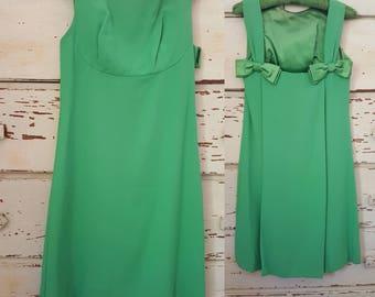 1960's Mid Century Green Taffeta Mini Dress / Mod Dress a a la Twiggy Size S